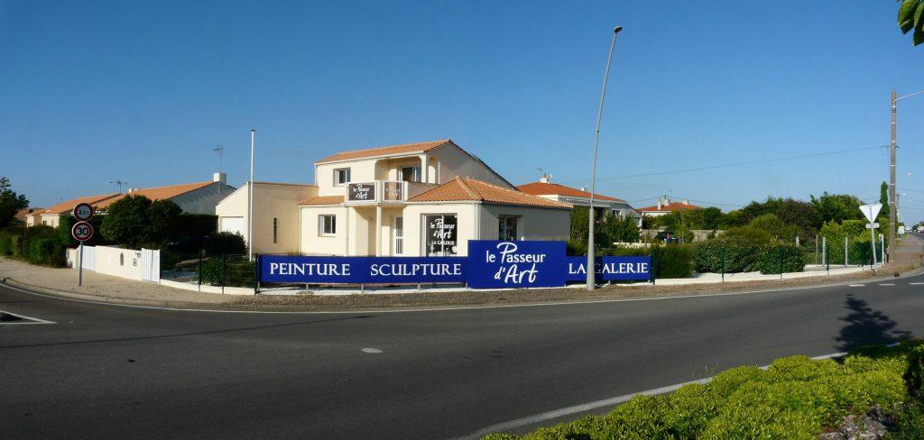 """La galerie de Christian Servant, """"Le Passeur d'art ' des Sables d'Olonne"""